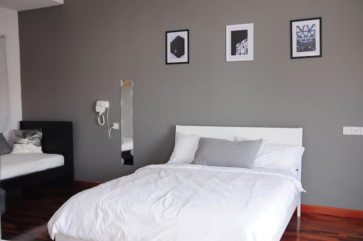 GRAYHAUS 31 Suite Room @ Bandar Utama