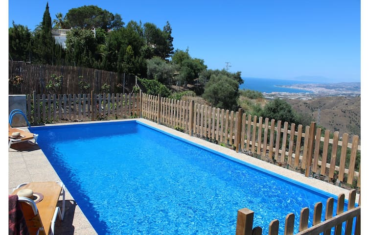 Holiday cottage with 2 bedrooms on 58 m² in Torrox