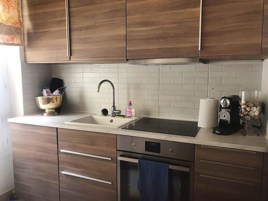 Just recently refurbished kitchen with all necessary kitchen equipment and appliances
