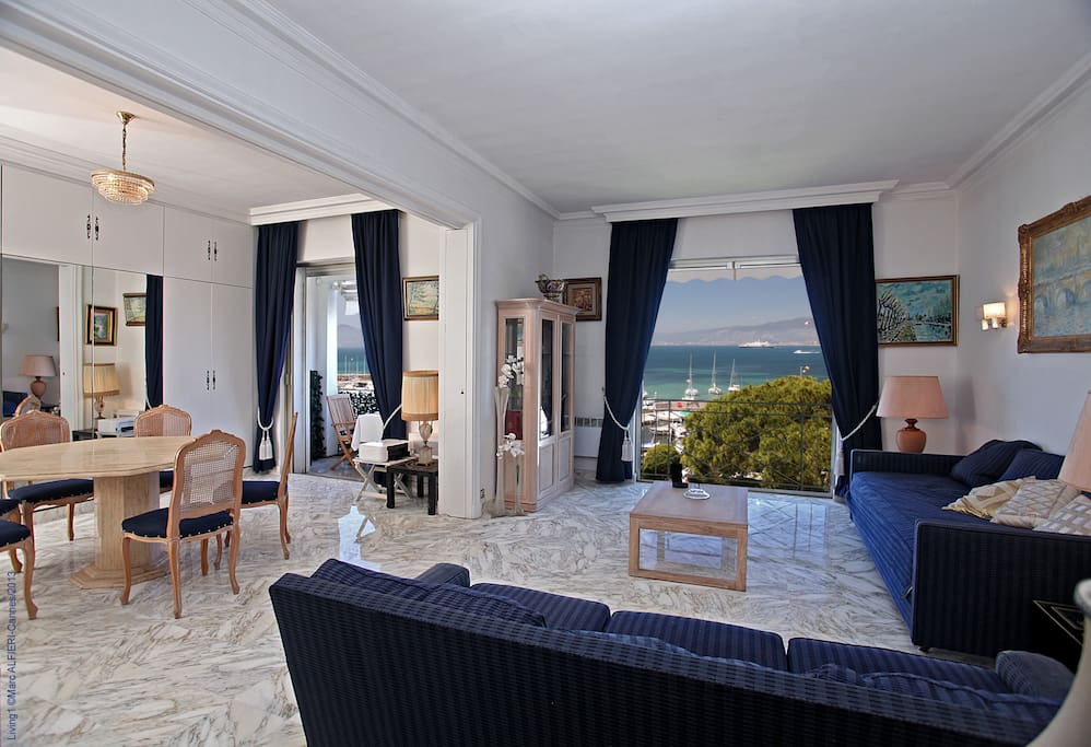 Exceptionnelle vue mer cannes palm beach appartements for Location garage cannes palm beach