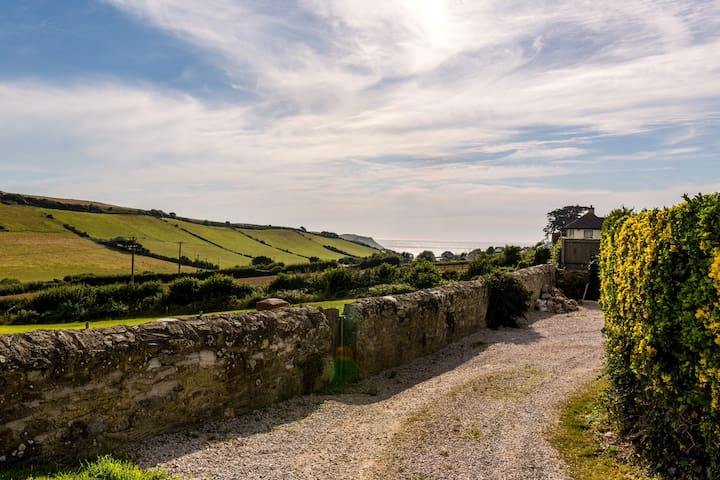 Cosy cottage with sea views, close to Salcombe