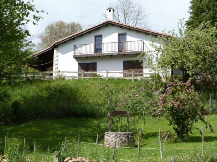 Una Casa Rural con vistas en Sel de la Carrera