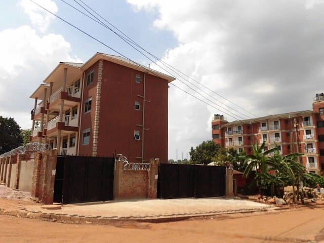 SKS  -Charming paradise in Kampala - Kampala - Appartement