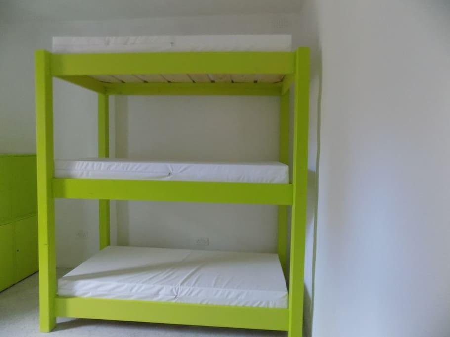 Habitaci n compartida paceville c2 dormitorios for Alquiler habitacion compartida