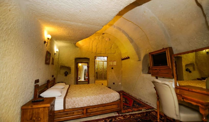 ELYSEE CAVE HOUSE- HAREM - Göreme - Bed & Breakfast