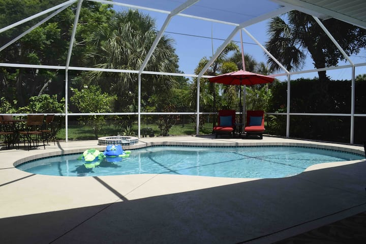 Private Heated Pool - Near Casey Key & Siesta Key