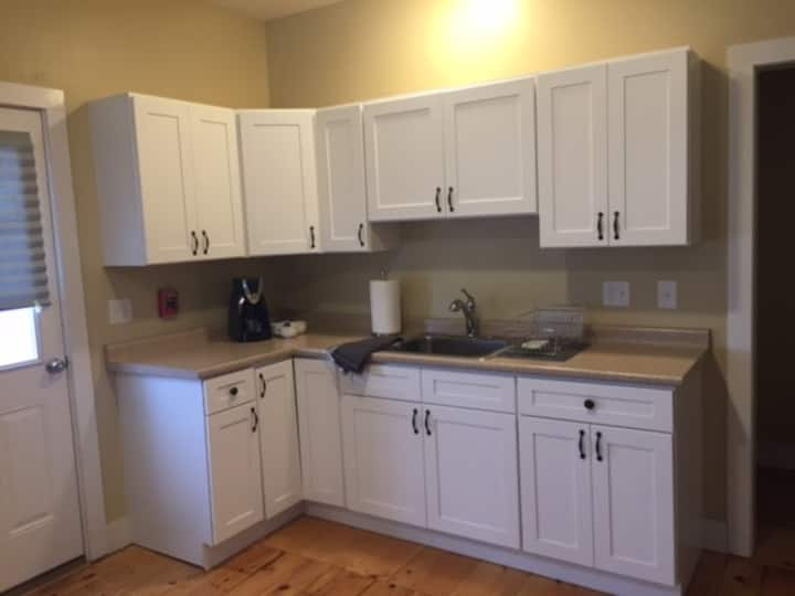 Beautifully renovated 1 bedroom in Manchester, NH