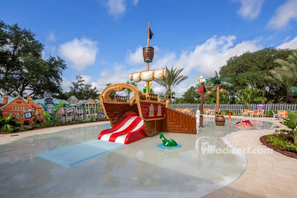 .kids splash water park