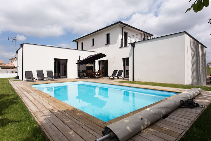 Villa contemporaine pour vacances
