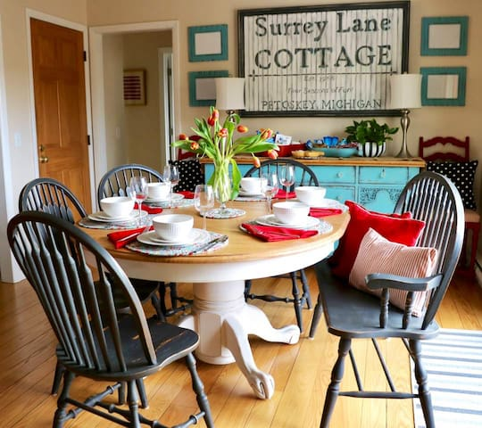 Surrey Lane Cottage--a charming home away!