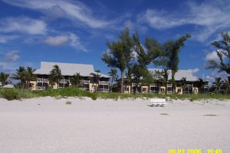 Beach Front Condo, Captiva Island, Sleeps 6 - Остров Каптива
