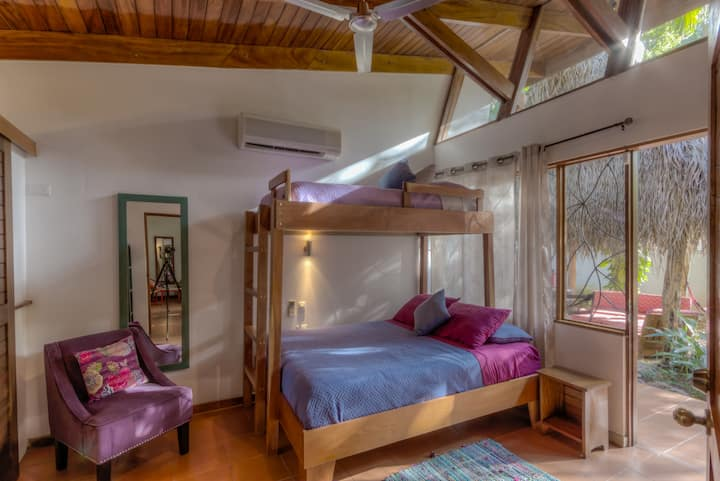 Heart of Guiones, Cozy, Yoga Studio, Close to Surf