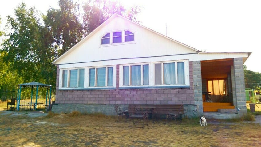 Уютный дом на берегу озера Чебакуль - Чебакуль - House