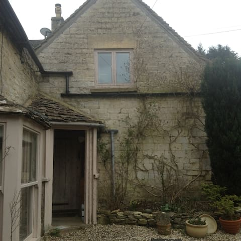 The Annexe   Avening      Gloucestershire