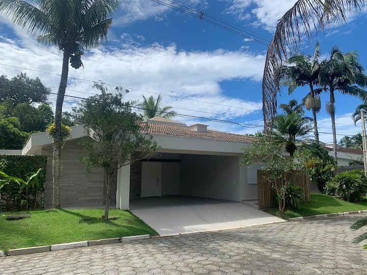 Maravilhosa Casa térrea em cond - Praia do Engenho