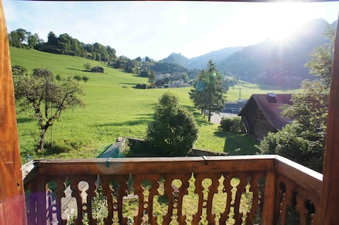 Appartement dans un chalet suisse authentique