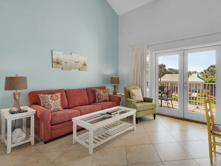 Roomy 2BR Condo, Steps from the Beach and Perfect for Couples