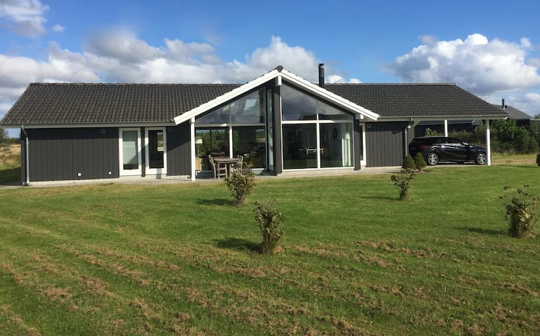 Sommerhus i naturskønt område - Brovst
