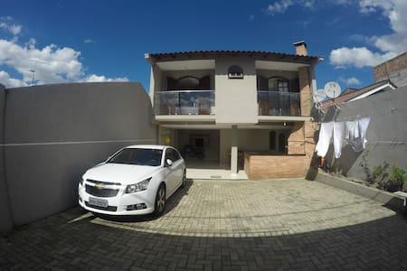 Casa da Família Anton ll