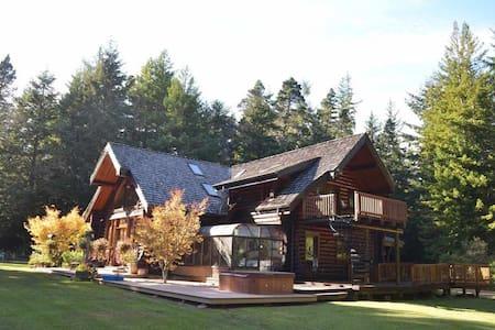 Redwood Log Cabin Downstairs Sun Room
