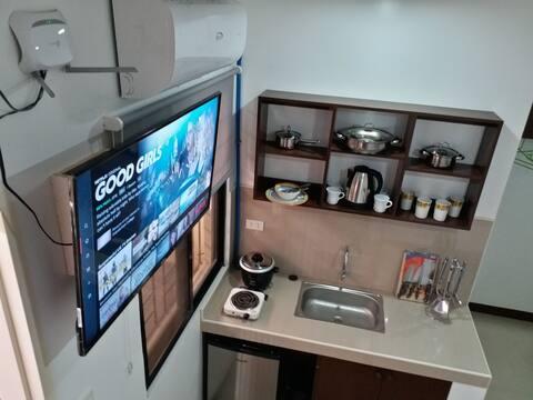 302  STAY Angeles Clark Airport Stay WiFi NetFlix