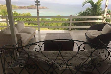 Maison Tartane, magnifique vue mer - La Trinité