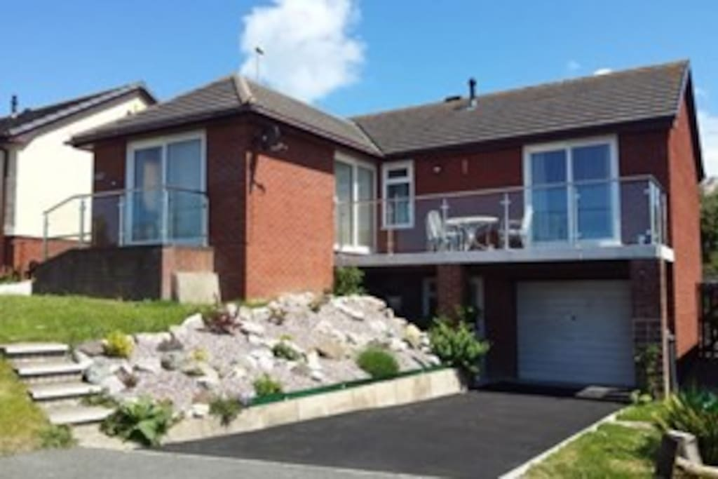No3 Deganwy Sleeps 6 in 3 Bedrooms 2 Bathrooms