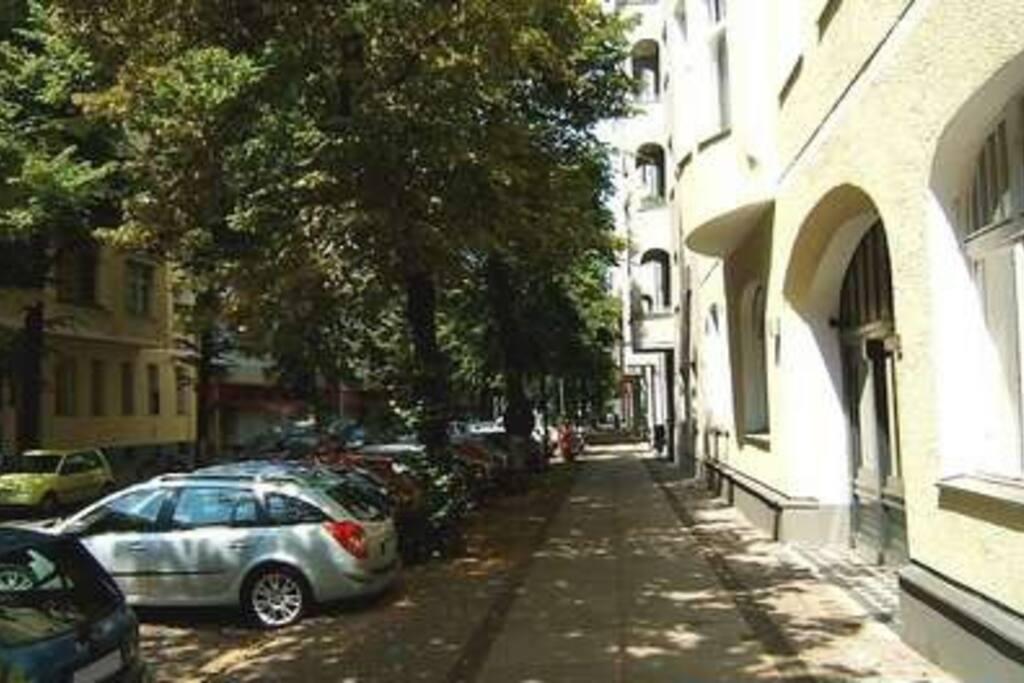 helle hinter h wohnung 45m2 3 etage kurf rstendamm wohnungen zur miete in berlin berlin. Black Bedroom Furniture Sets. Home Design Ideas