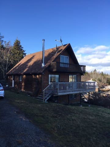 Great waterfront spot close to Peggy's Cove. - East Dover - Houten huisje
