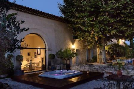 Chateau Juliette Provence Uzes Avignon Awarded 4*