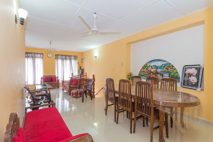 Spacious fully furnished cosy stay Near the Beach