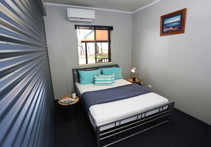 Queen Room at Beachfront Accommodation