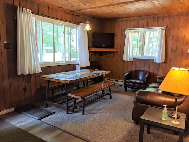 POV Resort Cabins - Social Distancing at its Best, Firefly Cottage - Unit 9