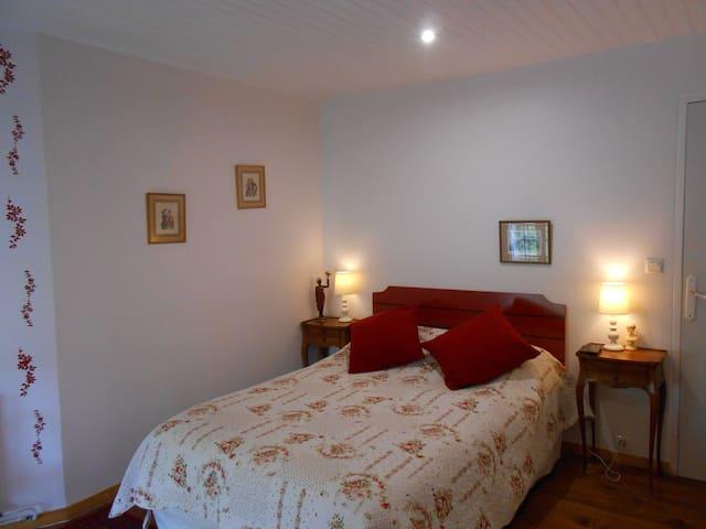 la maison des chartreux - Brives-Charensac - Rumah