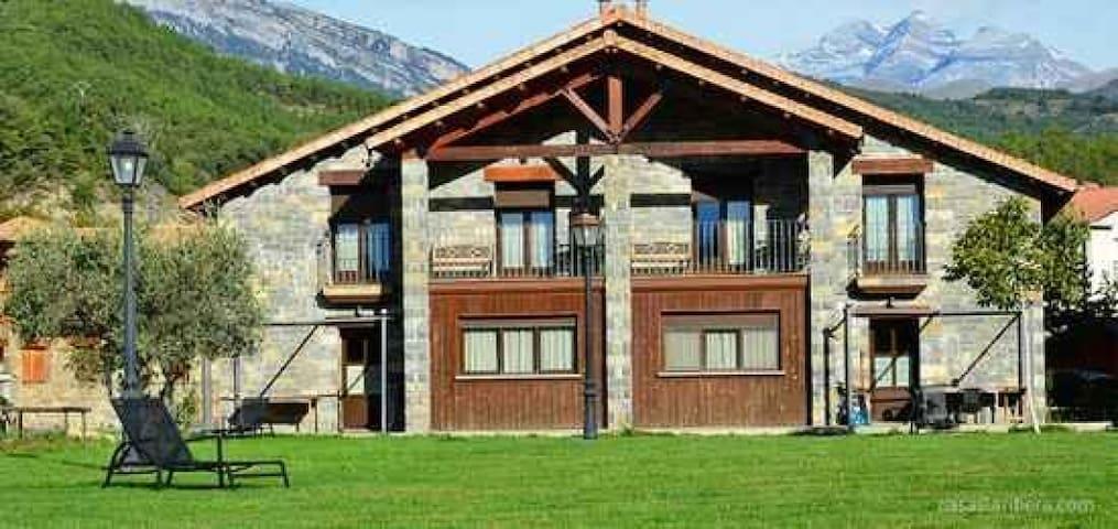 Casas La Ribera. Ordesa. 6 plazas Standar