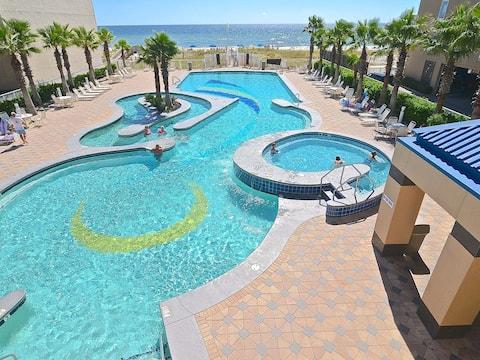 Incredible Views !!  Hot Tubs, Indoor Pool !!
