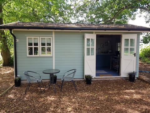 Luxury cabin in the heart of the Norfolk Broads