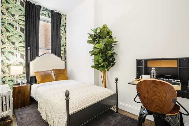Bright and Tranquil Twin in Sunny Prospect Heights
