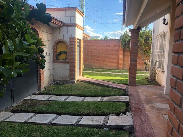 Descansa en San Juan del Rio,  Casa Acogedora