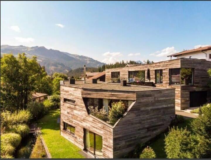 Property on a hillside :) Netflix++