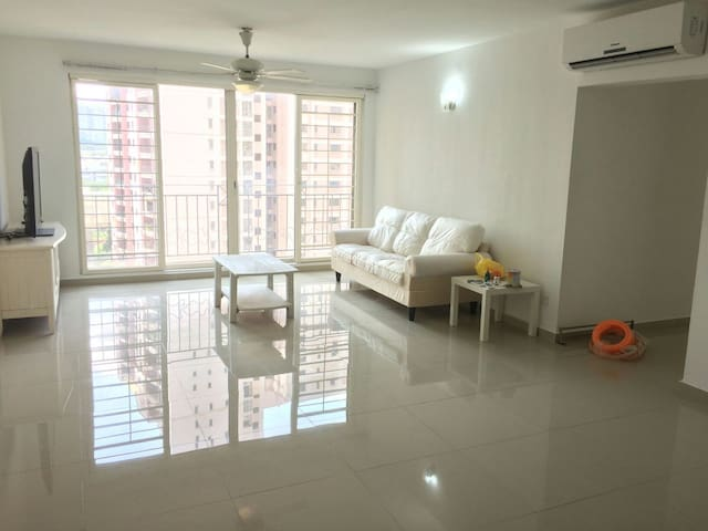 3R 2B Spacious Condo at Vista Kiara, Mont Kiara - Kuala Lumpur - Apartamento