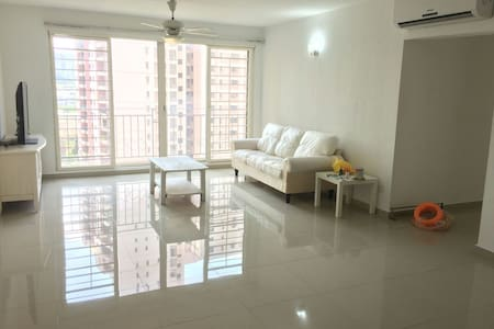 3R 2B Spacious Condo at Vista Kiara, Mont Kiara - 吉隆坡 - 公寓