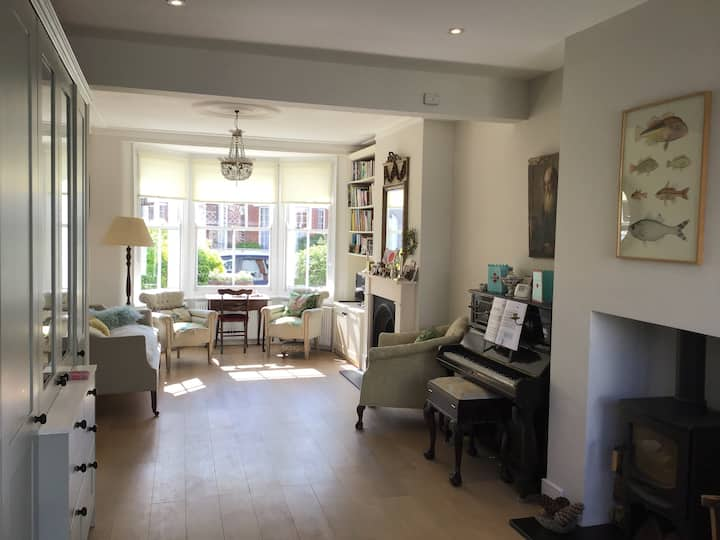 Four bed house in Chiswick with garden