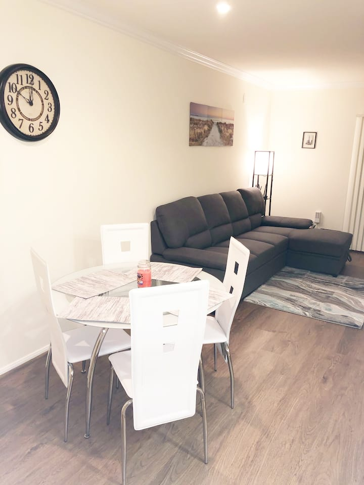 Spacious 1 bed room Downtown LA apartment