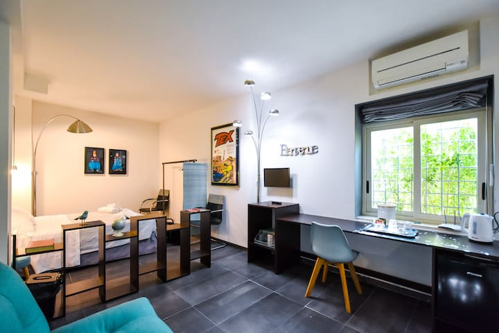 Ancient Palace Studio Flat - enjoy your booking