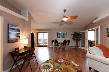 Gorgeous and Spacious Loft Condo in Downtown - Estes Park - Condominium