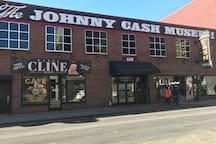 12 BLOCKS FROM JOHNNY CASH MUSEUM!!