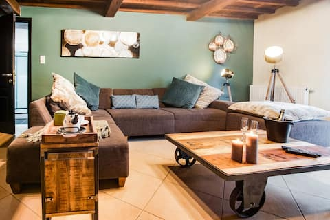 Cosy Holiday Home in Vresse-sur-Semois with Terrace