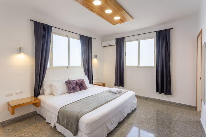 Habitación Suite 1 con cama King Size muy confortable.