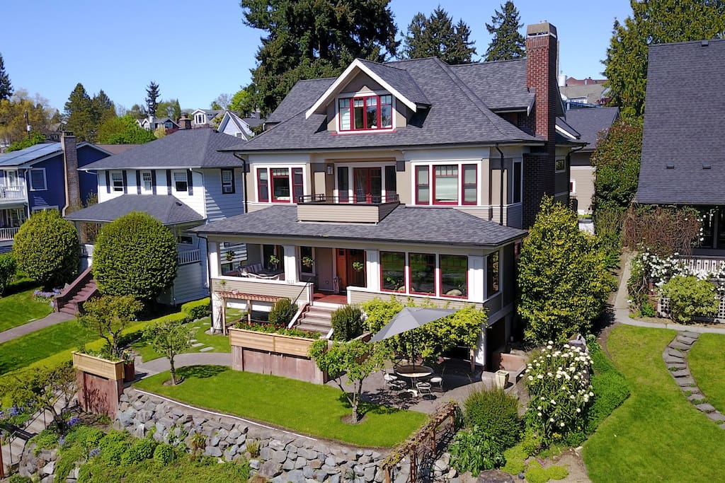 Seattle 4 story manor house across from green lake houses for rent in seattle washington for 5 bedroom house for rent in seatac